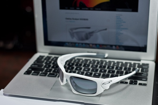 $230 Oakley Scalpel Matte White/Black Iridium SKU#OO9095-03