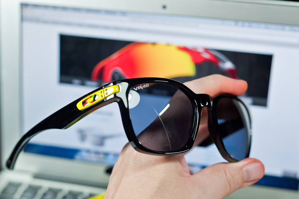 oakley vr46 garage rock