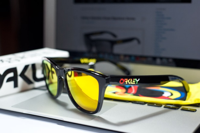 cfd6f194f33df Oakley Frogskins Special Edition – Singapore Online Shopping and ...