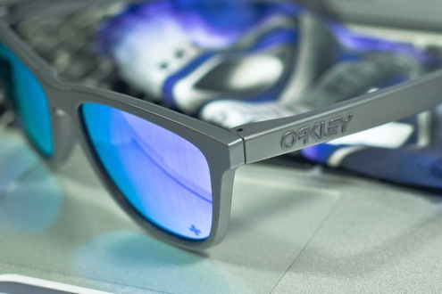$235 Infinite Hero Frogskins Collection SKU# 24-348 Carbon/Violet Iridium