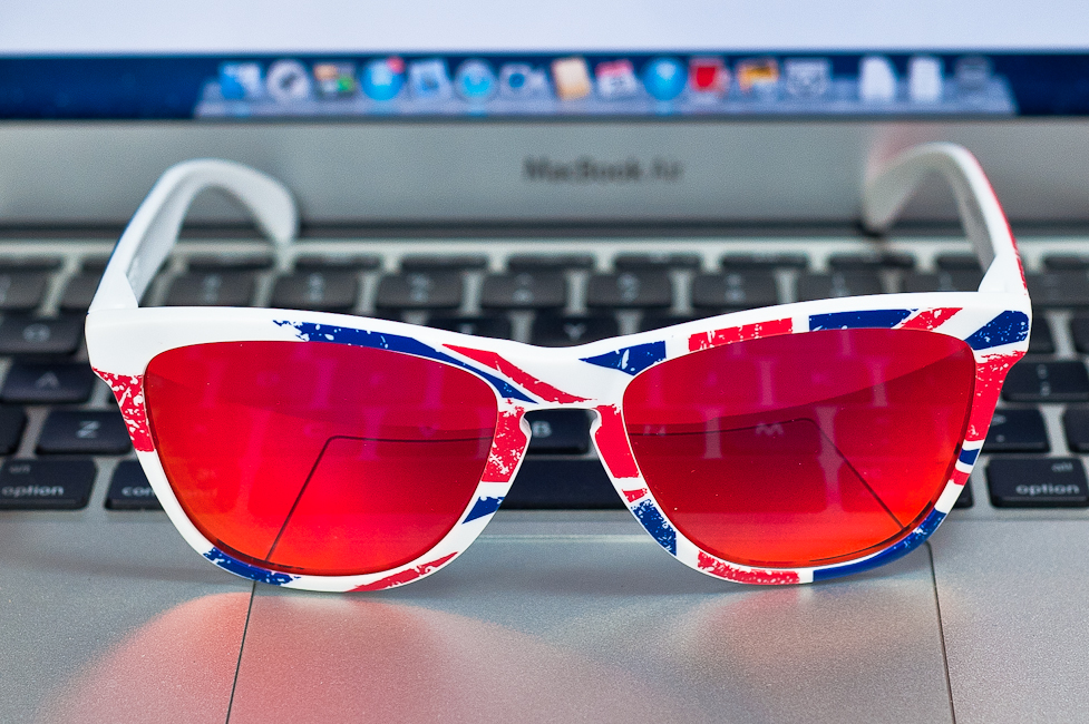 front details of Oakley 24-314 Union Jack/Ruby Iridium. Singapore@Wahliao.com