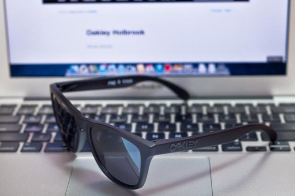oakley crosshgenuine oakley sunglasses 1rfj  Black Colorway SGD$undefined Rag & Bone x Oakley Frogskins SKU# undefined  Colab Limited