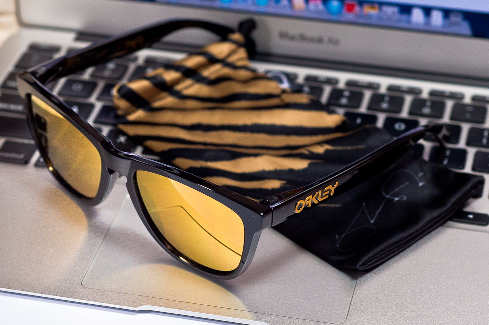 SGD$320 SHAUN WHITE SIGNATURE SERIES FROGSKINS® SKU# 24-272 @wahliao.com Singapore Color: Polished Black/24K Iridium