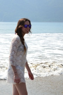 deep-purple-frogskins-oakley-sunglasses-ivory-lace-forever-21-dress_400