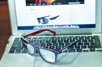 $210 FROGSKINS® LX SKU# OO2043-05 Color: Navy/Chrome Iridium