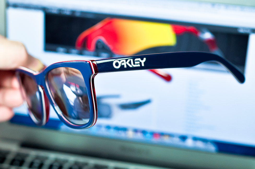 oakley frogskins lx navy w chrome iridium