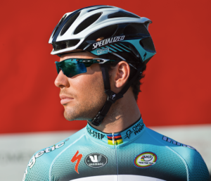 Mark Cavendish wears his own Oakley Signature Series