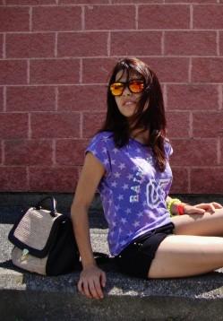 oakley-glasses-sunglasses-hm-t-shirts~look-main-single