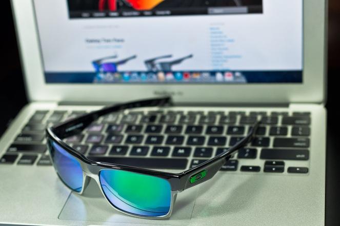 New! $250 Oakley Two Face SKU# OO9189-04 Polished Black/Jade Iridium
