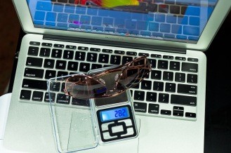 Weight of Oakley DAISY CHAIN™ is 28.2g