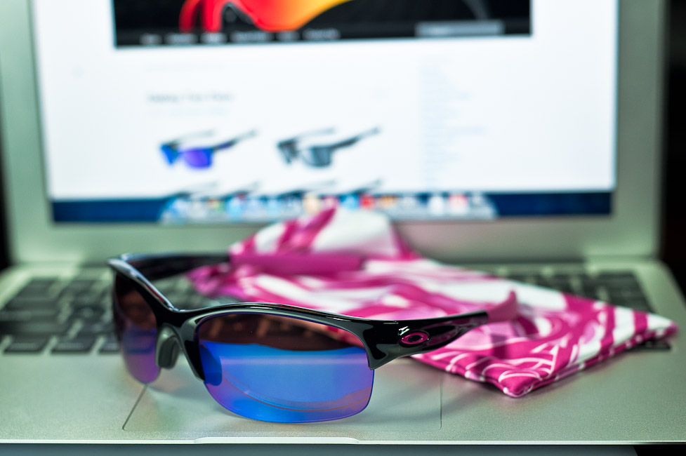 $280 Oakley Commit SQ Breast Cancer Awareness Edition SKU# 24-330