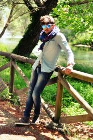 xagon-man-jeans-zara-shirt-oakley-sunglasses_400