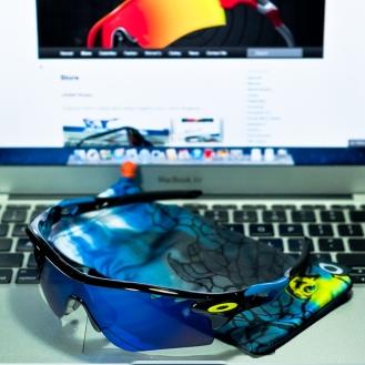 SGD$450 LIMITED EDITION FATHOM RADARLOCK™ PATH STRAIGHT STEM SKU# OO9181-14 Color: Polished Black/Ice Iridium Vented, Clear Vented