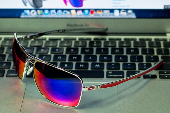 fr SGD$260 PLAINTIFF™ SQUARED SKU# OO4063-07 Color: Polished Chrome/Positive Red Iridium