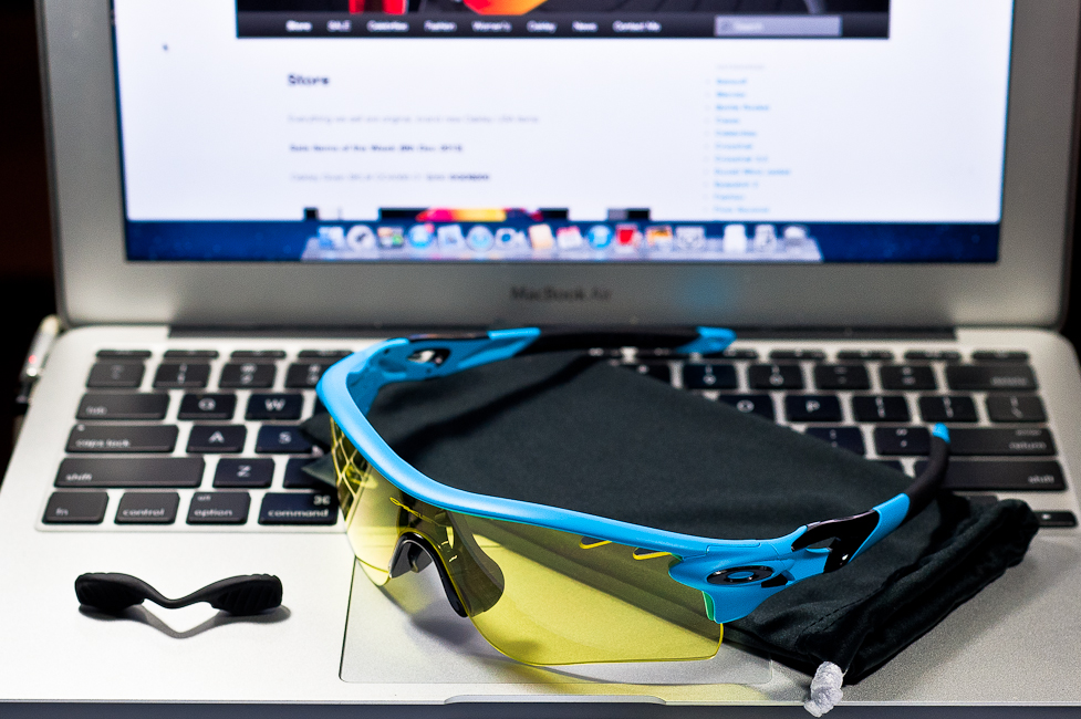 SGD$280 Oakley Custom RadarLock by wahliao.com Singapore Color: Matte Glacier Blue/Yellow Vented. Purpose: For athletes and cyclists, evening/night Set as pictured.