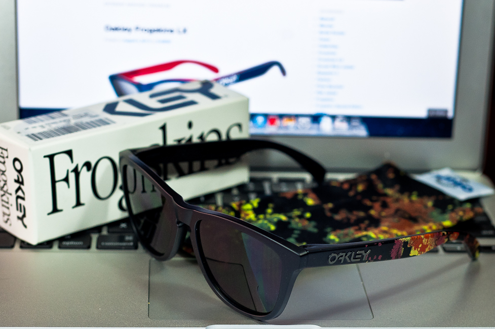 SGD$240 Oakley Frogskins Alpha Decay Matte Black/Dark Grey 24-401